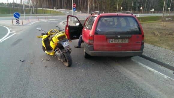 Per pusvalandį Vilniuje sužaloti motociklo ir motorolerio vairuotojai