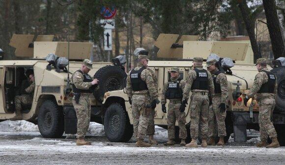 """""""Politico"""": Lenkija imasi rizikingos strategijos – pralošti gali labai daug"""