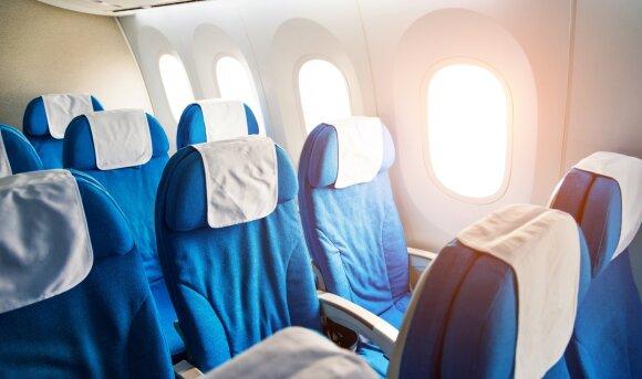 Kaip oro linijos uždirba pinigų dalydamos nemokamus bilietus