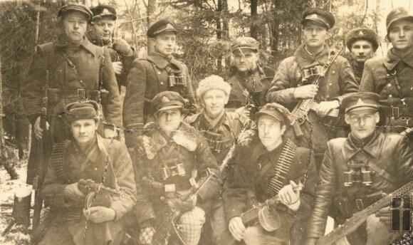 Pietų ir Vakarų sričių atstovai pakeliui į partizanų vadų susitikimą, Okupacijų ir laisvės kovų muziejaus nuotr.