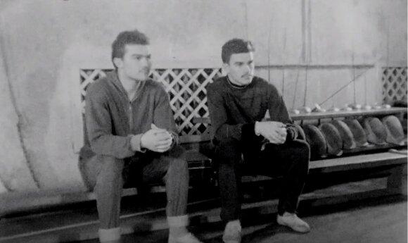 """Danas (iš kairės) ir Jaroslavas Pozniakai (akimirka iš filmo """"Danas Pozniakas. Auksinė ringo istorija"""")"""