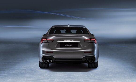 """""""Maserati"""" žengia patikrintu keliu: rengiasi pristatyti pirmąjį hibridinį modelį"""