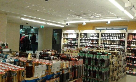 Atnaujintoje parduotuvėje apsilankiusi moteris pasibaisėjo pamačiusi alkoholio skyrių