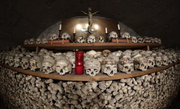 10 šiurpiausių Europos katakombų
