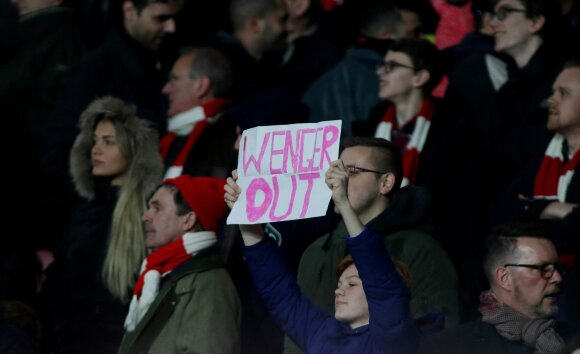 Sirgaliai reikalauja Arsene'o Wengero pasitraukimo