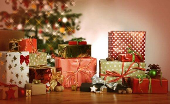 """Žinomi ekonomistai apie dovanas, kurių sulaukė: kas patenka į """"juodąjį"""" daiktų sąrašą"""