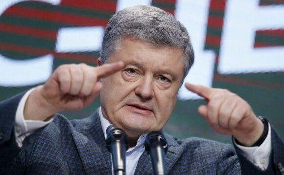 """Зеленский хочет дебатировать на Олимпийском. Порошенко ответил: """"Стадион так стадион"""""""