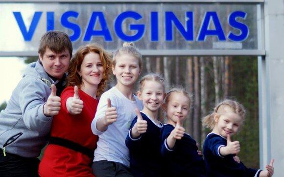 Metų šeima išrinkti visaginiečiai, auginantys 5 vaikus