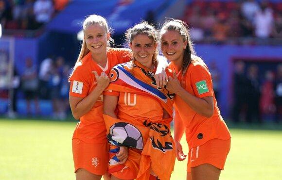 Kika van Es, Danielle van de Donk, Lieke Martens, Nyderlandų moterų futbolo rinktinė