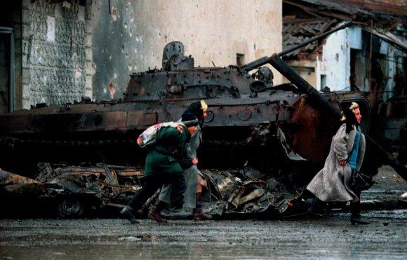 """""""Белые колготки"""" из Прибалтики и """"распятые мальчики"""": как на Лубянке сочиняли фейки чеченской войны"""