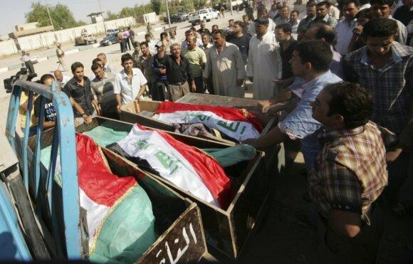 Irake kovotojai nužudė 22 šiitų maldininkus