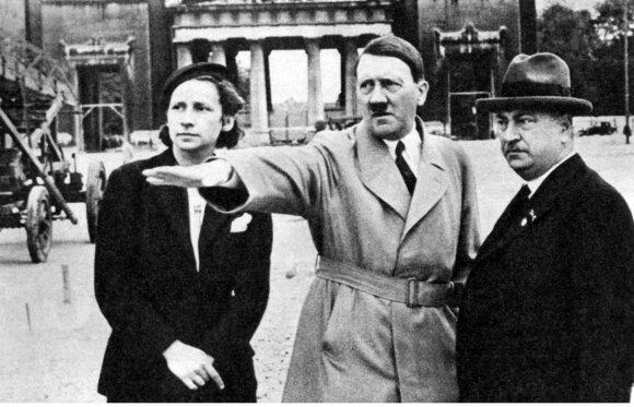 """Tamsiosios <span style=""""color: #bf005f;"""">Hitlerio paslaptys</span> – žiaurusis diktatorius psichiatrų akimis"""