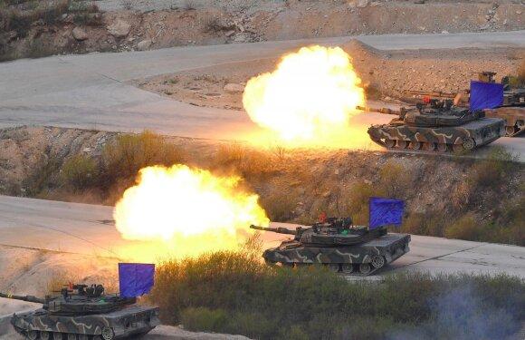 Pietų Korėjos tankų pratybos
