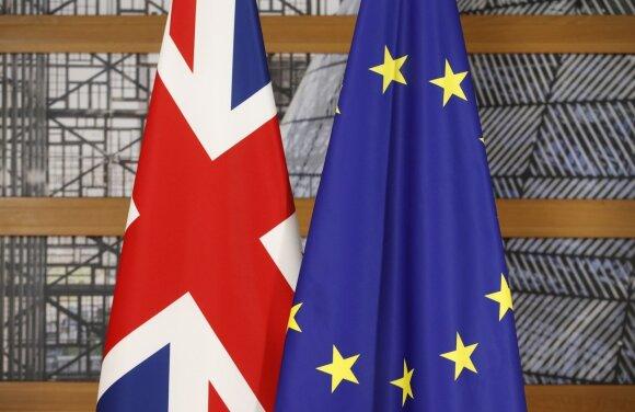 """Braškančios """"Brexit"""" derybos: pildosi blogiausias scenarijus"""