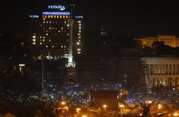 Ukraina: sutartis pasirašyta, bet žmonės nežada trauktis iš Maidano