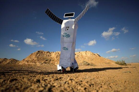 Mahmoudas Elkoumy sako, kad šis robotas savo nustatymų dėka galėtų sugerti drėgmę Marse ir paversti ją geriamu vandeniu.