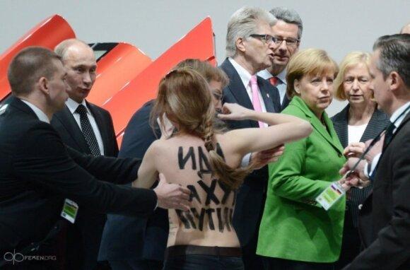 """""""Femen"""" protestuoja prieš Vladimirą Putiną"""