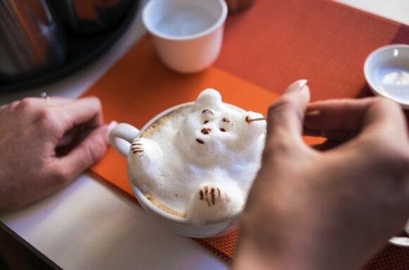 Londono kavinėje dirbančios lietuvės gaminama kava - kaip meno kūriniai