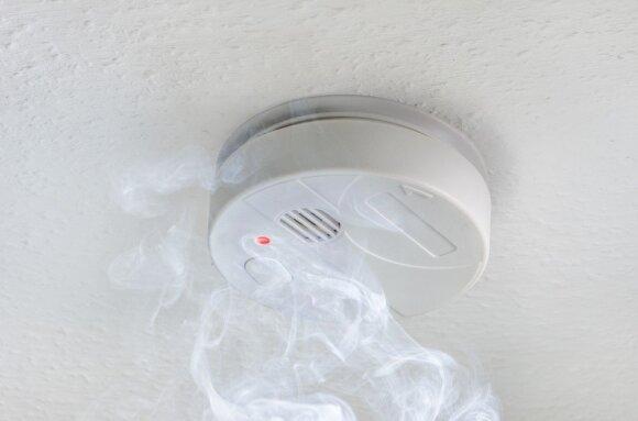 Pirmoji žiema su dūmų detektoriais: ar jie padeda?