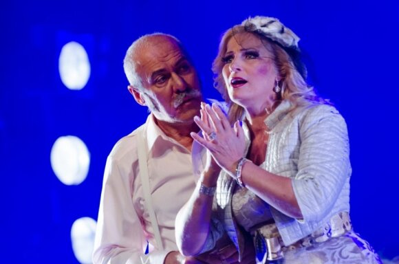 """Operoje """"Caro sužadėtinė"""" – lietuviški debiutai"""