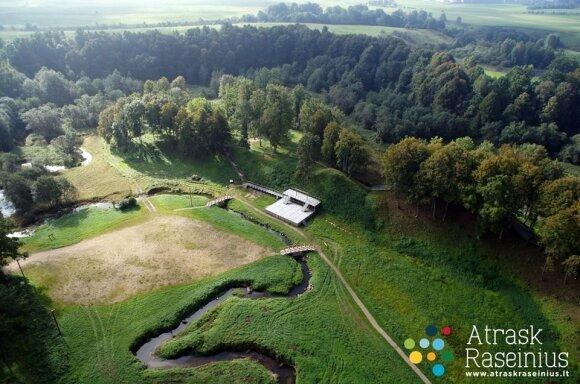 Molavėnų piliakalnių kompleksas