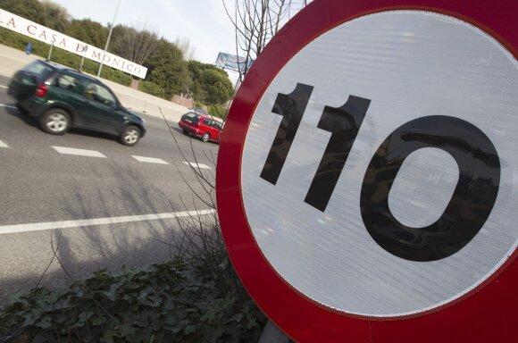 Nuo balandžio 1-osios keliuose gausybė pokyčių – vairuotojams patiks ne visi