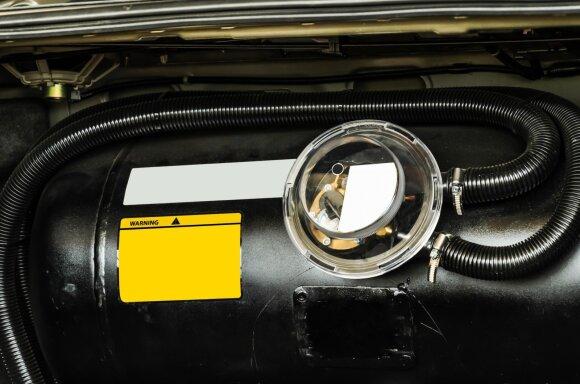 Automobilinių dujų bakas