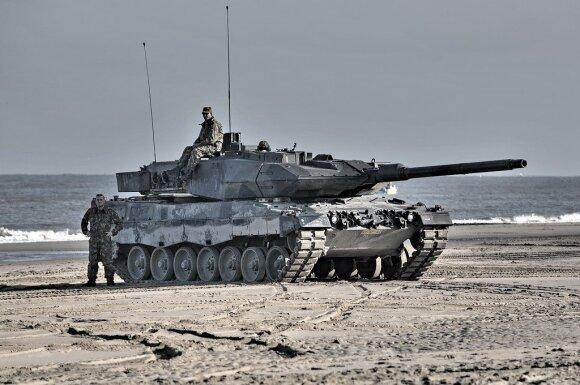 """Dabartinės Nyderlandų kariuomenės tankas """"Leopard 2"""""""