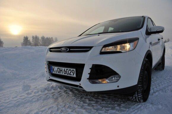 10 žingsnių, kaip paruošti automobilį žiemos atostogų kelionei