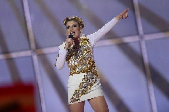 """""""Euroviziją"""" nugalėjęs transvestitas C. Wurst neatsisakytų tapti kita D. Bondo mergina"""