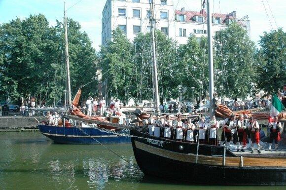 """Folkloro festivalis """"Parbėg laivelis"""""""