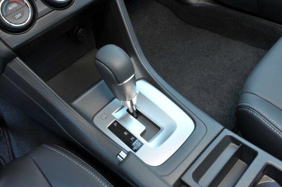 """Vairuojantys automobilius su """"automatu"""" turėtų susirūpinti: gali tekti pakloti tūkstančius"""