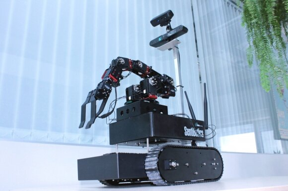 SentiBotics robotas