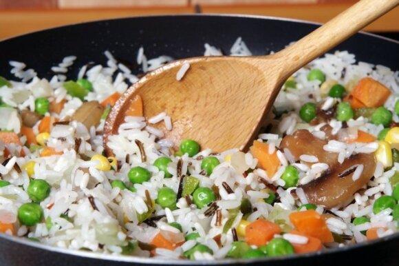 Kaip skaniai išsivirti ryžius: svarbiausia – nepaisyti instrukcijos