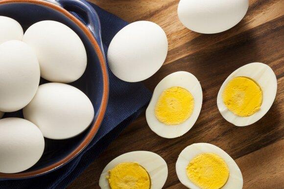 Dr. Karl paaiškino, kodėl rytais nereikėtų gerti kavos ir kiek kiaušinių per dieną yra sveika