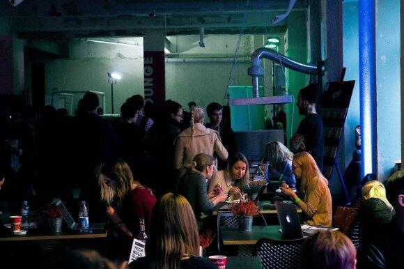 """""""What's Next?"""" programoje – pažintys su robotais, kinas, parodos ir kontaktų vakarėliai"""