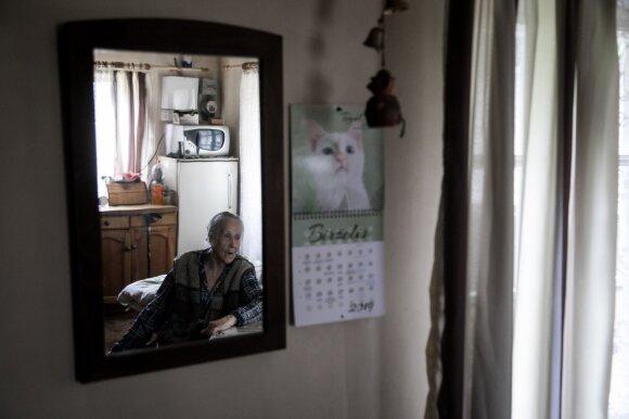 Kelionės po Dzūkiją kulminacija – paslaptingiausias 10 gyventojų kaimas ir jo simboliu tapusi 91-erių Birutė