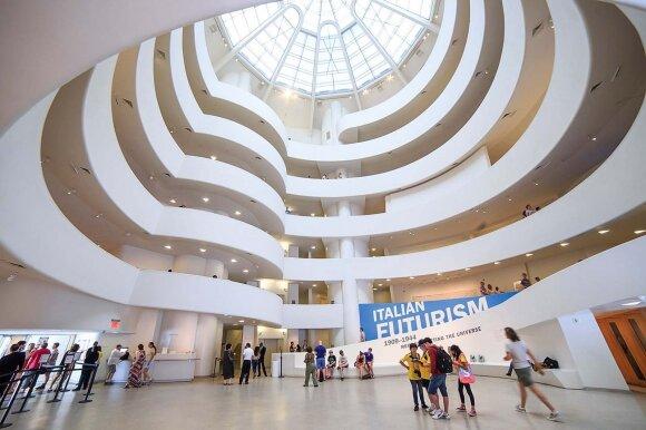 Solomono R. Guggenheimo muziejus vertas ir dėl ankstyvojo modernizmo kolekcijos, ir dėl įspūdingos pastato architektūros