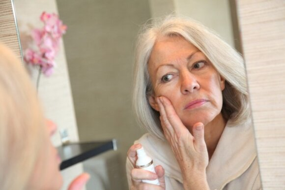 Kaip susigrąžinti lygią odą: specialistų patarimai