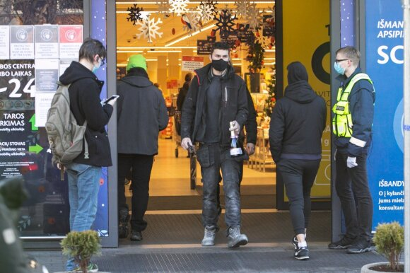 Kaip įveikti fizines parduotuves ištikusią krizę?
