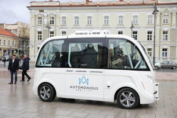 Vilniuje išbandytas pirmasis Lietuvoje savaeigis automobilis NAVYA ARMA