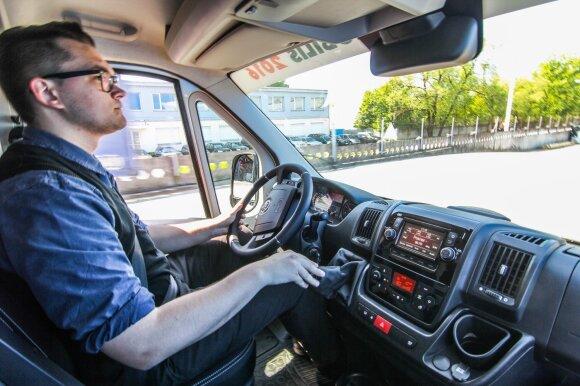 Kaina – ne vienintelis faktorius renkant geriausią komercinį automobilį