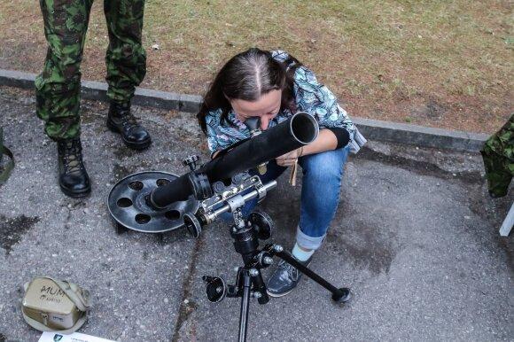 Užuot atostogavę, šalies mokytojai sėmėsi nacionalinio saugumo ir šalies gynybos žinių