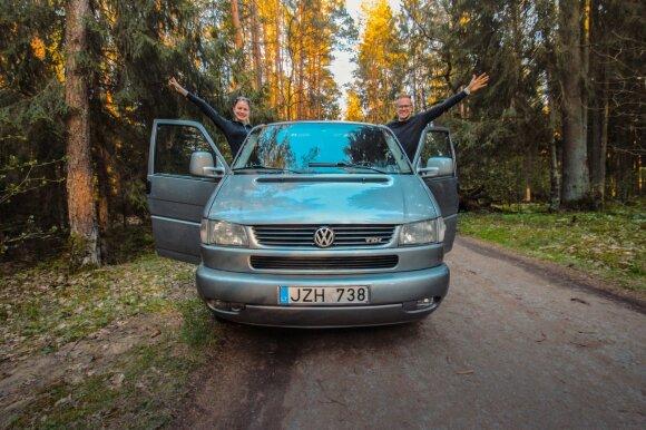 Kauniečiai už 6 tūkst. eurų įsigijo ir įsirengė automobilinį namelį: derinant darbą ir keliones galima net ir sutaupyti