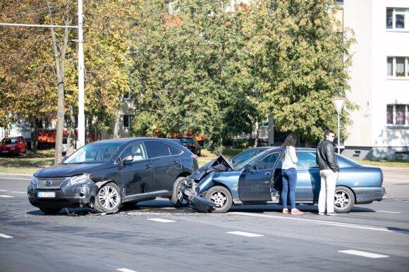 Vairuotojams paaiškino, kaip išvengti klaidų pildant eismo įvykio deklaraciją