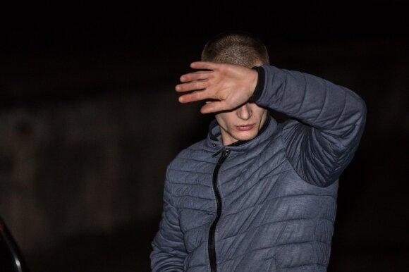 """Naktis Vilniuje: """"City bee"""" vairuotojos naivumas ir pažeidėjai su BMW, vienas jų – vengiantis karinės tarnybos"""