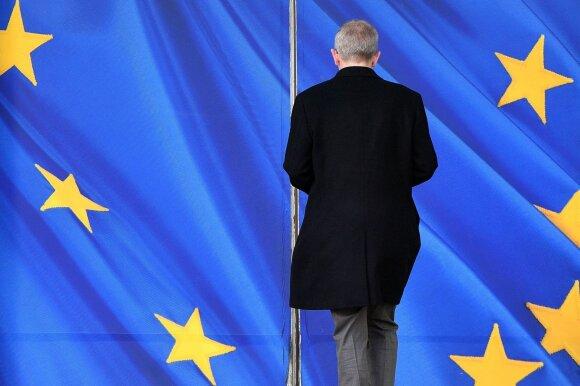 """Britanijoje kilo painiava dėl premjerės pareiškimo """"Brexit"""" sutarties klausimu"""