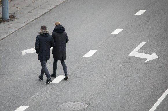 Tragiškos pėsčiųjų kelionės užmiestyje: svarbius skaičius turi prisiminti ne tik vairuojantys