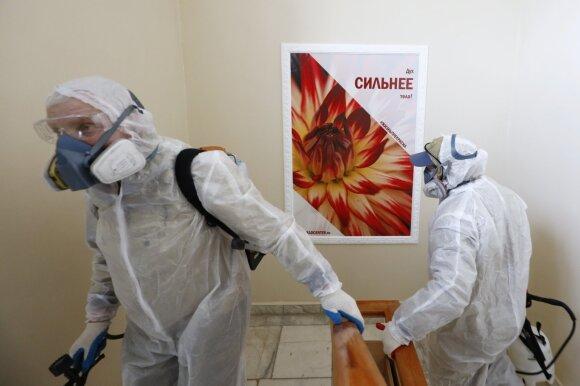 Tyla prieš audrą: Rusija giriasi atsparumu koronavirusui, o kaip yra iš tikrųjų