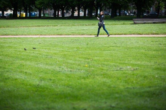 Tėvų išlaikomai kartai atlyginimai nerūpi: nemalonių darbų nesiima ir už 900 eurų